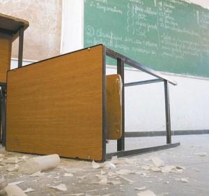 1409252411874-sala-de-aula-destruida