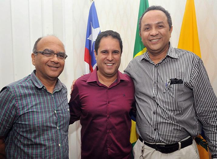 O ex presidente da Funca, Francisco Gonçalves, o prefeito Edvaldo Holanda e o atual presidente da Fundação, Marlon Botão