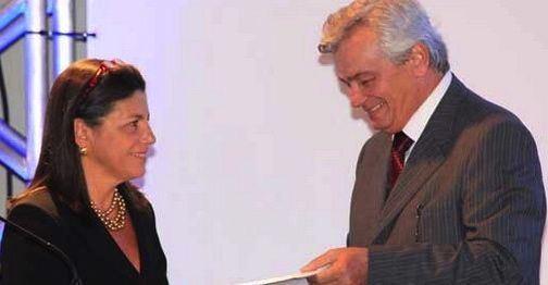 http://www.blogsoestado.com/zecasoares/files/2013/06/ROSEANA-E-ARNALDO-MELO.jpg