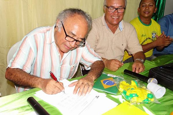 Justiça bloqueia bens de Léo Costa