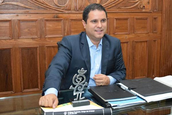Edivaldo é prefeito Amigo da Criança