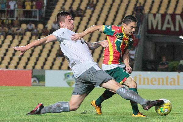 Atacantes Pimentinha e Edgar e o zagueiro Luis Otávio deverão ser poupados contra o Figueirense
