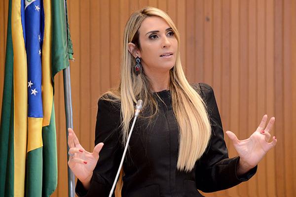 Andrea Murad repercute avanços no IDH e Selo UNICEF na Assembleia Legislativa