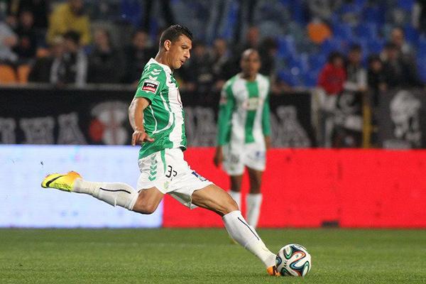 Moto anuncia zagueiro experiente que atuou no Grêmio, Criciúma, em Portugal, arábia e Barhain