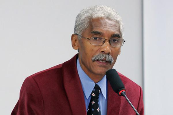 Prefeito Domingos Dutra nomeou a mulher em secretaria em Paço do Lumiar