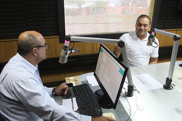 Deputado federal weverton Rocha é entrevistado na Rádio Mirante AM