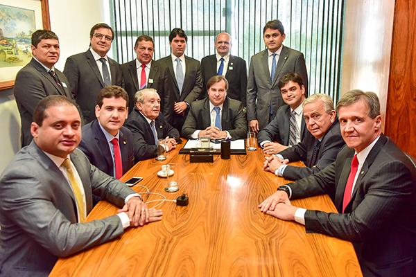 Resultado de imagem para foto da reunião de bancada federal do maranhão